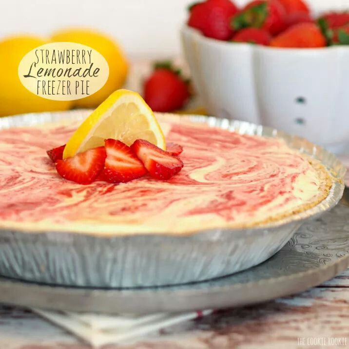 Strawberry lemonade Freezer pie