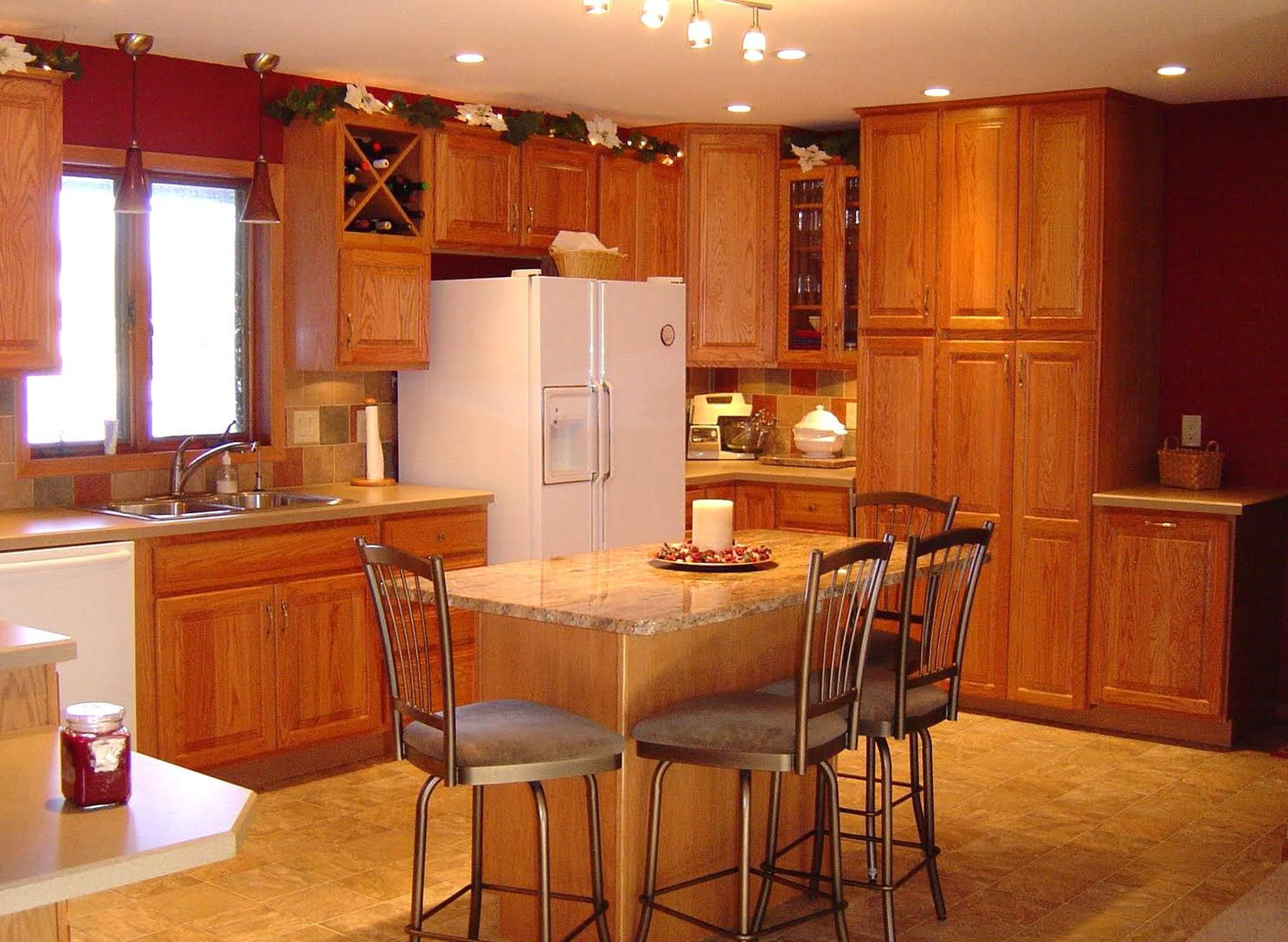 Oak Cabs Chi Cabs Oak Cabry By Kraftmaid Cabs Menards Kitchen Cabinets Kitchen Cabinets Brands Kraftmaid Kitchen Cabinets