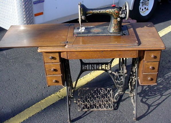 Singer Treadle Sewing Machine And Cabinet 400 400 EBay SORT 40 Enchanting 1921 Singer Sewing Machine