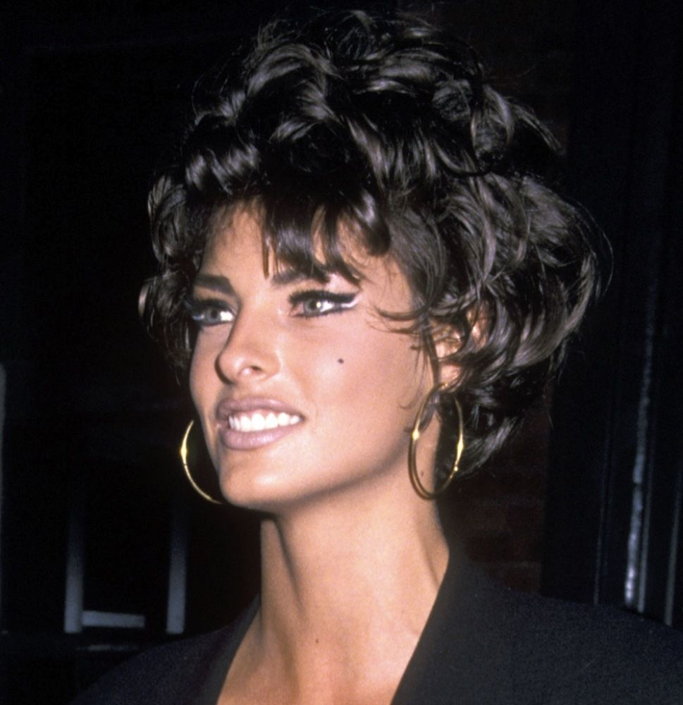 what was linda evangelista 39 s best hair color moment. Black Bedroom Furniture Sets. Home Design Ideas