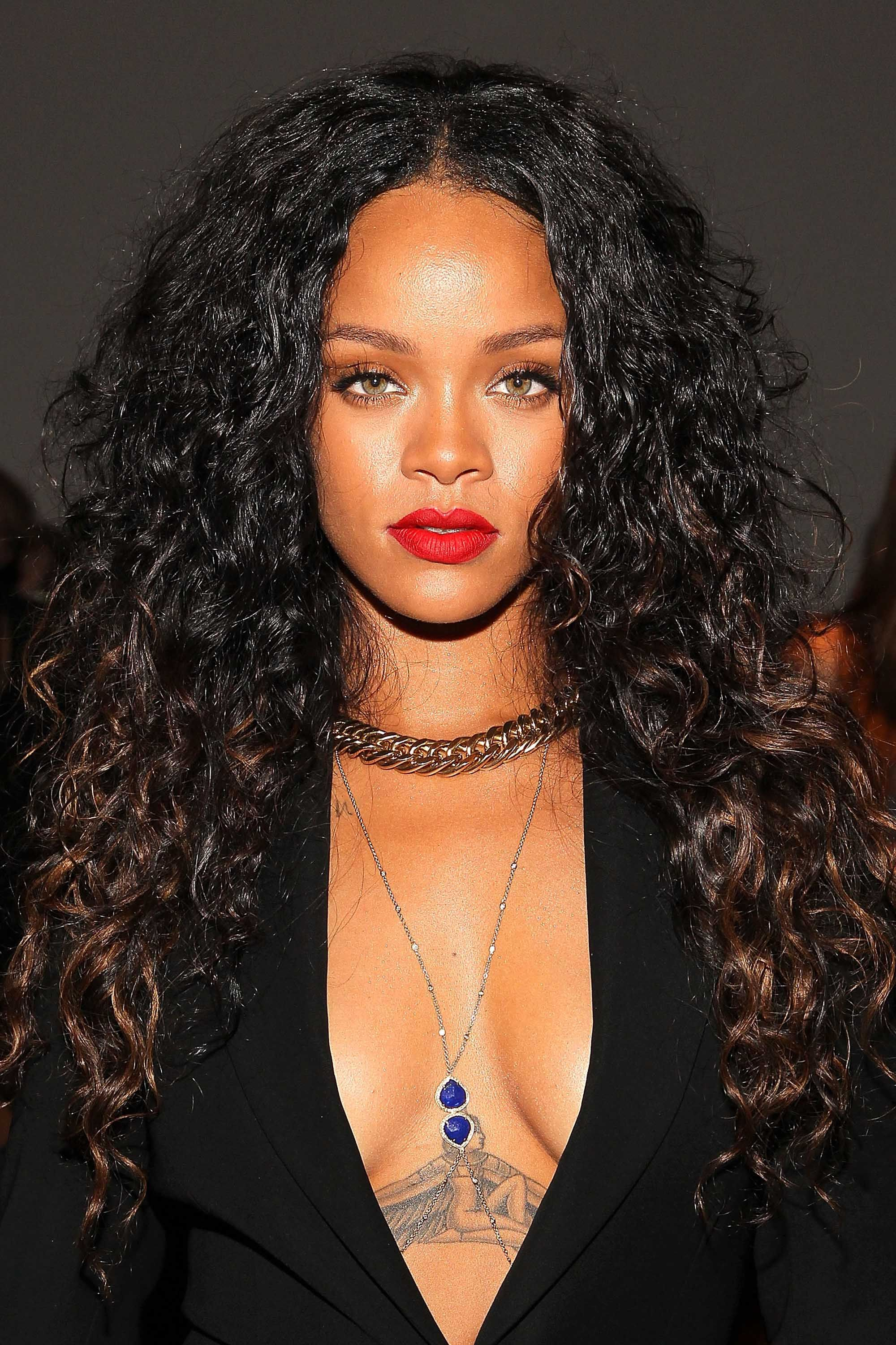 weave hairstyles Rihanna