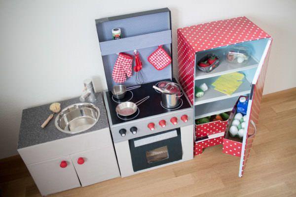 Miniküche Mit Kühlschrank Toom : Diy kinderküche aus kartons u teil der kühlschrank basteln