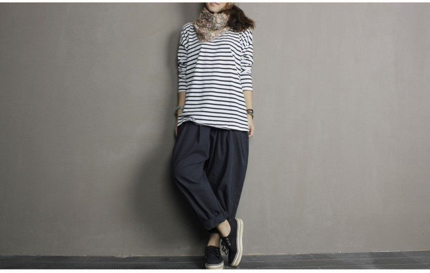 striped T and baggy pants.....