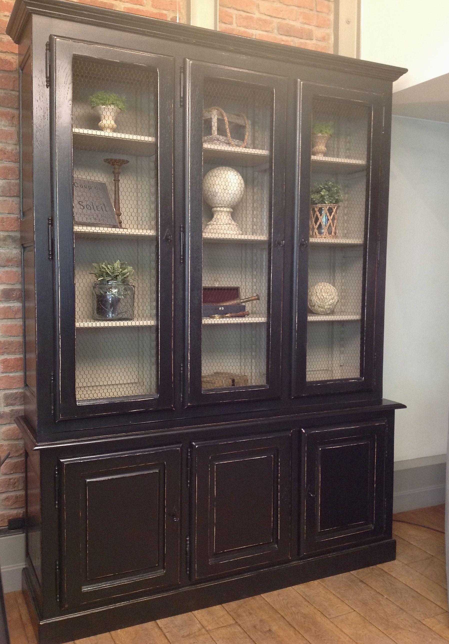 Bibliotheque 3 Portes Vitrees En Chene Massif Patinee Noire Renovation Meuble Cuisine Meubles De Cuisine Noirs Vaisselier