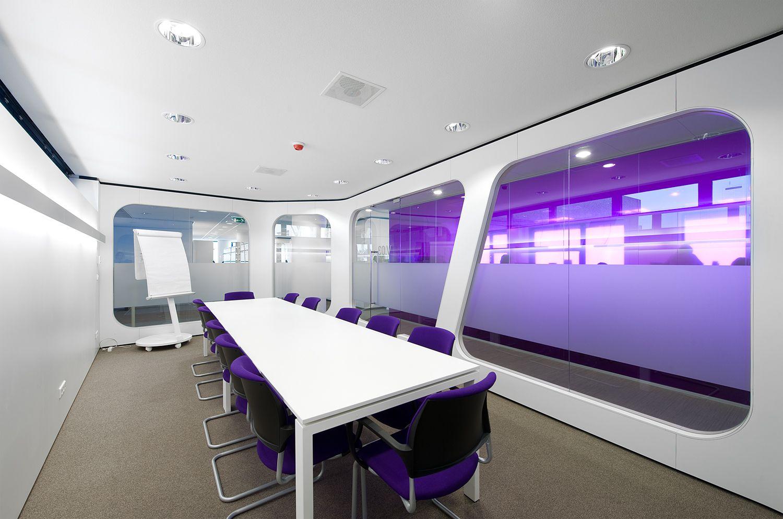 Hoofdkantoor Centrum voor Jeugd en Gezin aan de Westblaak in Rotterdam. Architect Mike Klerks, Aspa.