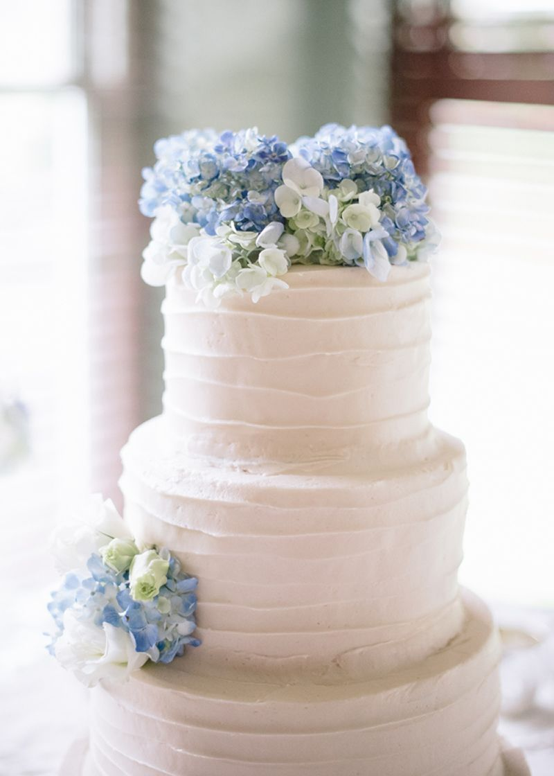 Gorgeous Hydrangea In All The Details White Wedding Cakes