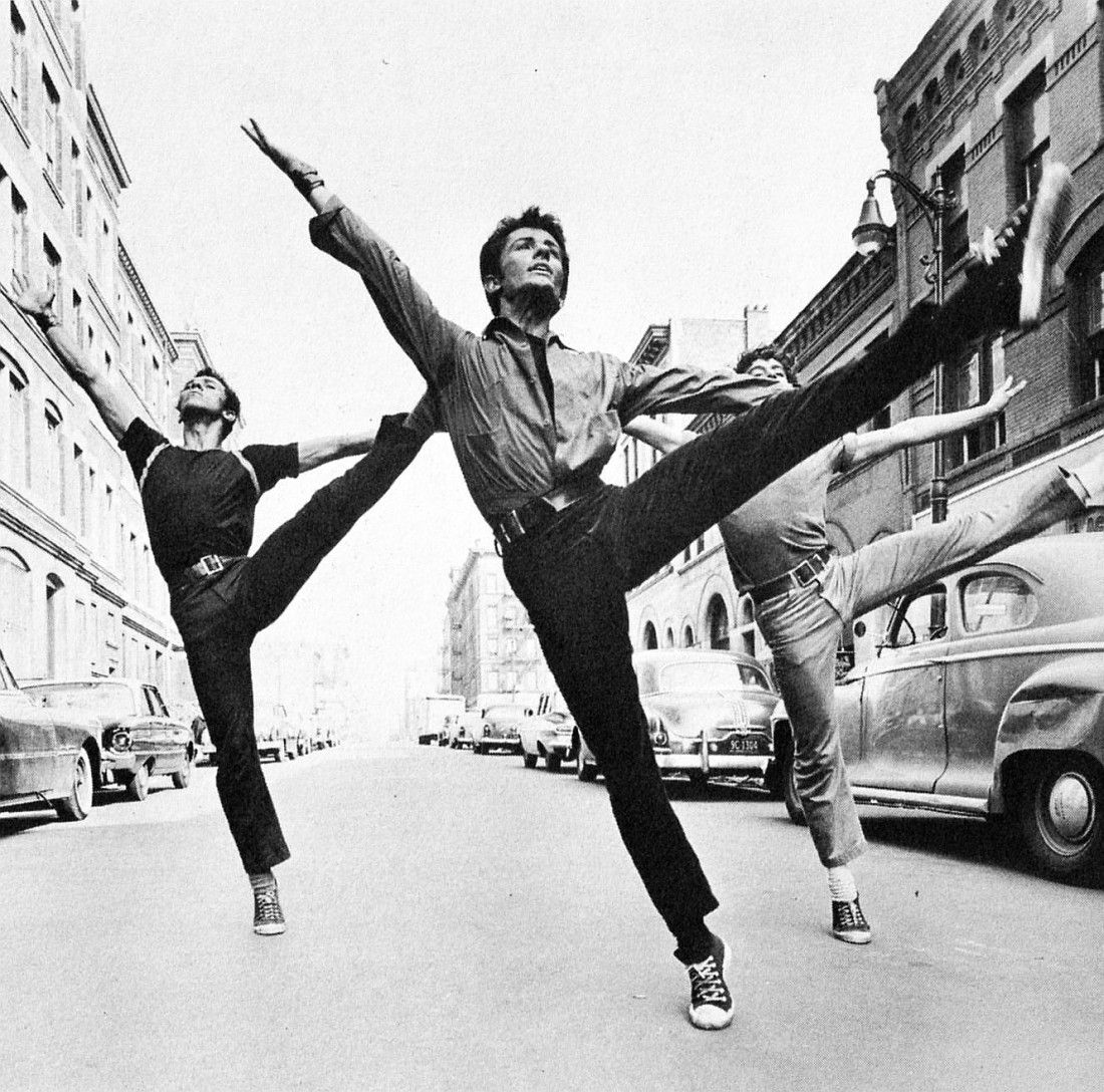Chakiris in west side story 1961 to dance