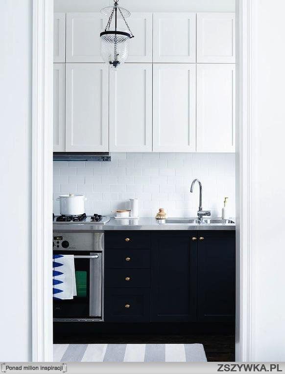 Zobacz Zdjęcie Biało Granatowa Kuchnia W Neoklasycznym Stylu