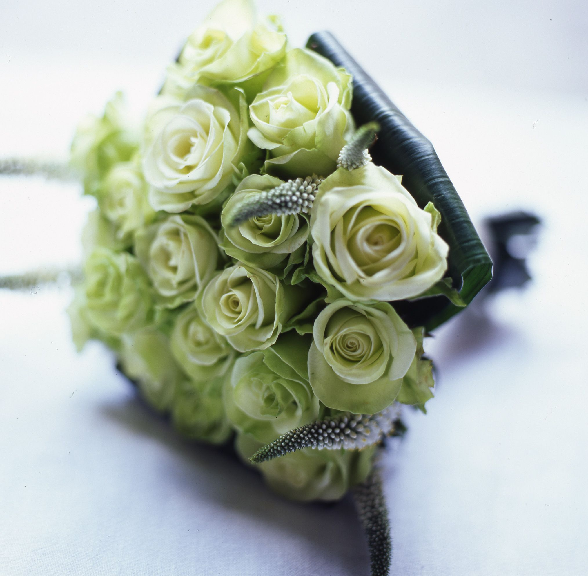 Vanillarose Co Uk Hand Tied Bouquet Of F Green Roses With Folded Aspidistra Leaves Gorgeous Wedding Bouquet Hand Tied Bouquet Green Rose