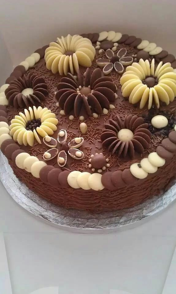 How To Decorate A Cake With Maltesers And Coclate Buttons