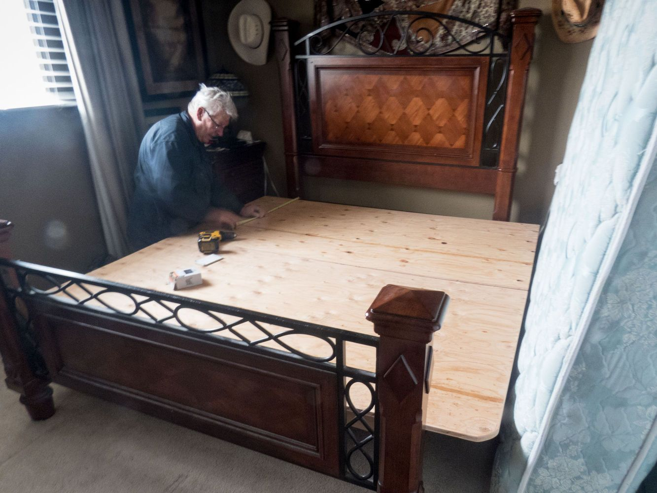 Turn Your Queen Sized Mattress Into A King Sized Bed Queen Mattress Size Queen Size Bed Frames King Bed Frame Queen size bed and frame