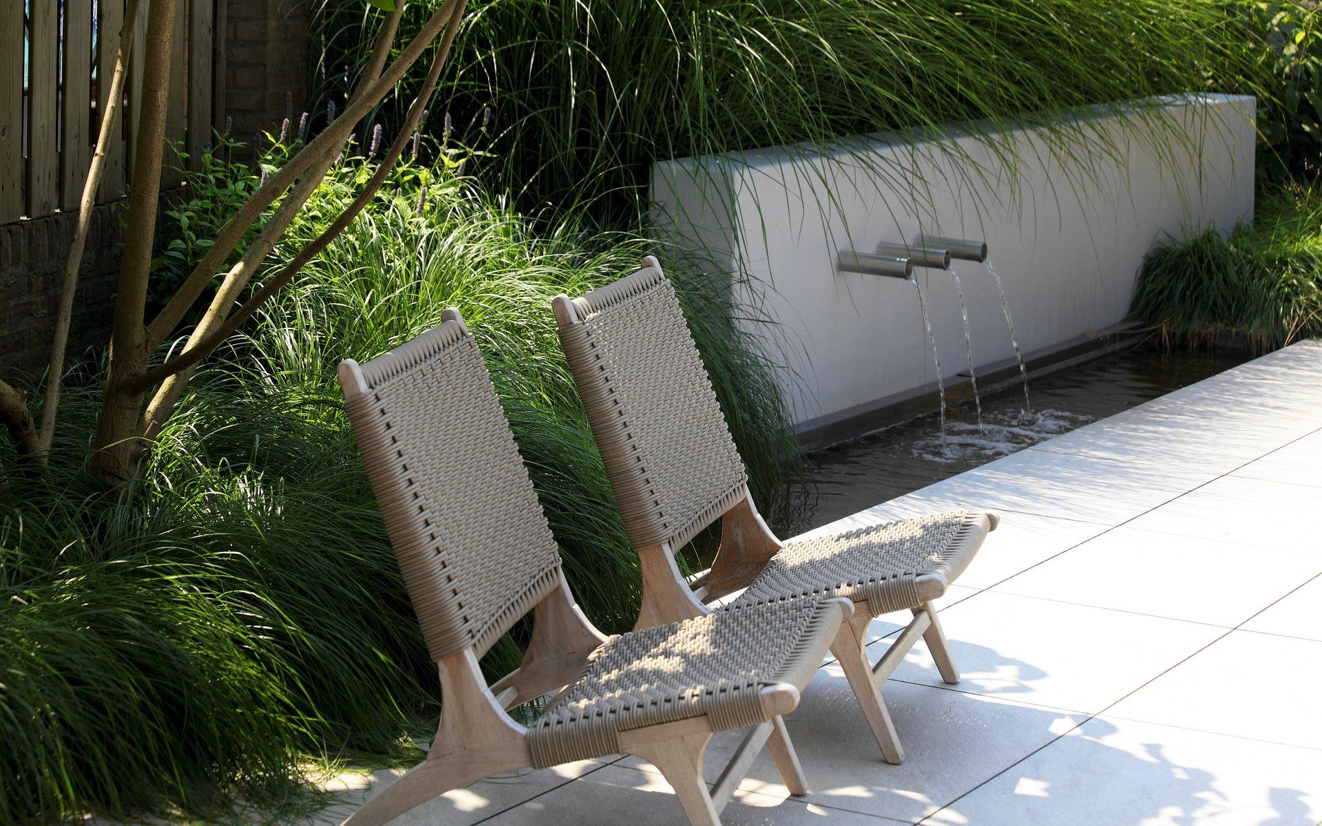 Garden water features  Pin by BOTANICA STUDIO on FONTE DuÁGUA l WATER FEATURE  Pinterest
