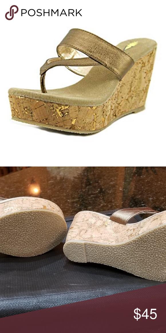 Volatile Jaitlyn Wedge Sandal New Size 8