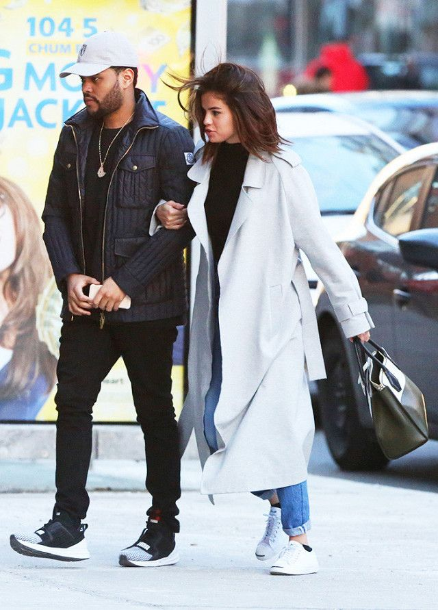 477d7c1061c8 Selena Gomez s  65 Date-Night Sneakers Have the Best Reviews