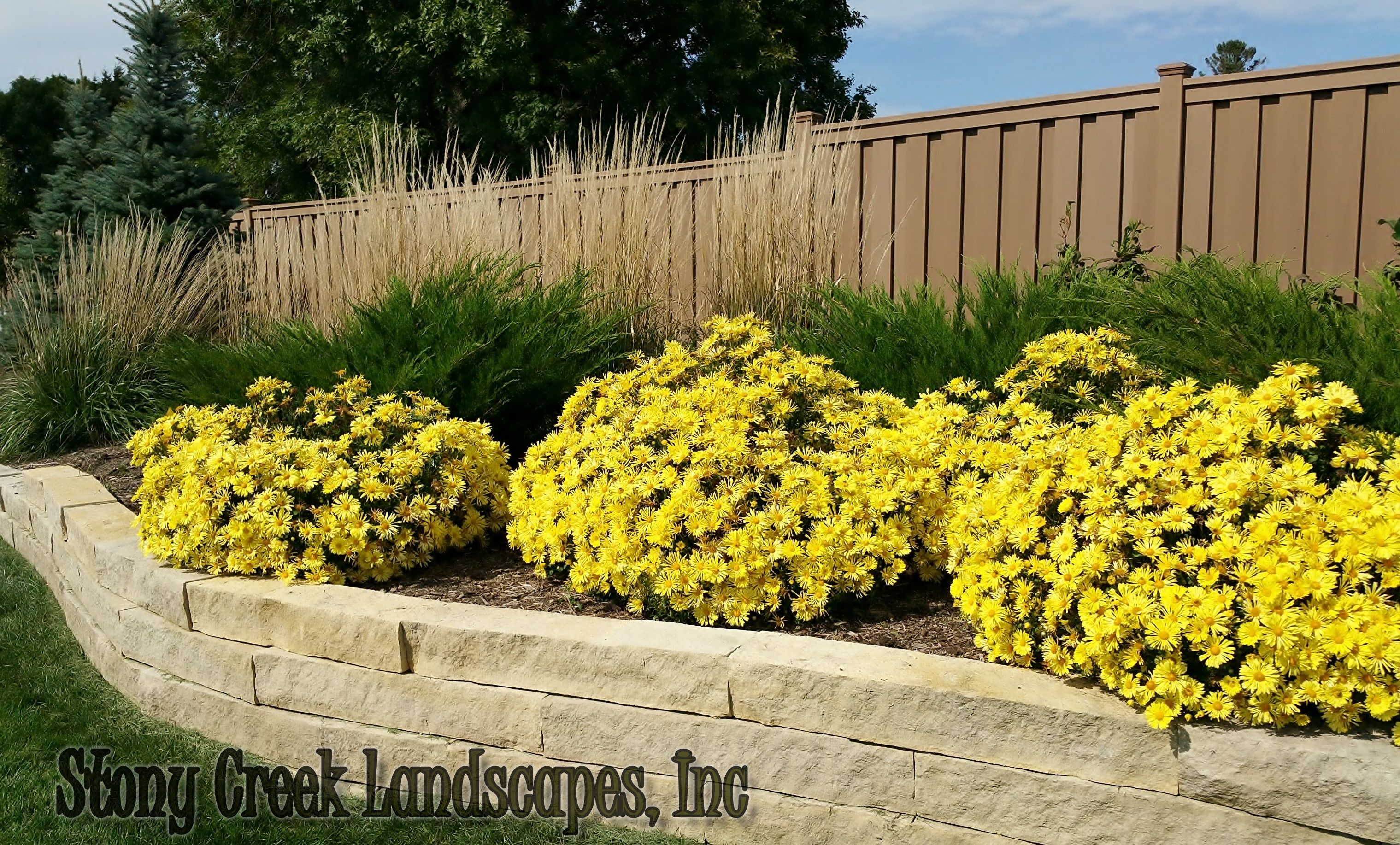 Beautiful Decorative Retaining Walls Crest - The Wall Art ...