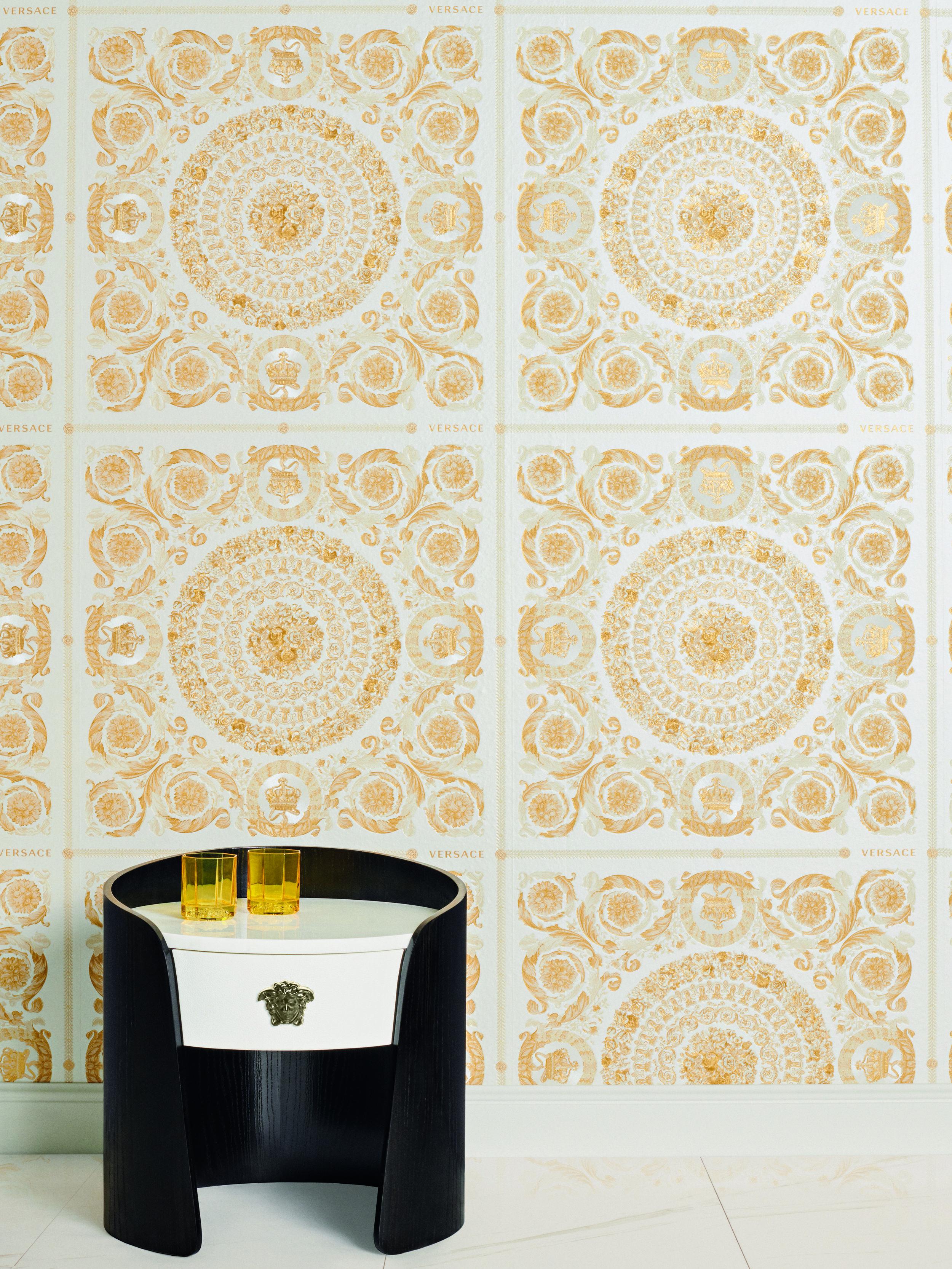 Versace IV Heritage Cream and Gold Wallpaper Cream