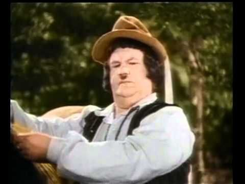 Laurel & Hardy - Bohemian Girl - scene with the brush
