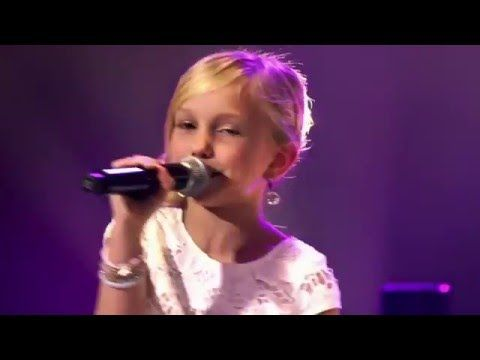 9-Year Old Josefien Sings Carpenter's Top Of The World - Angelic