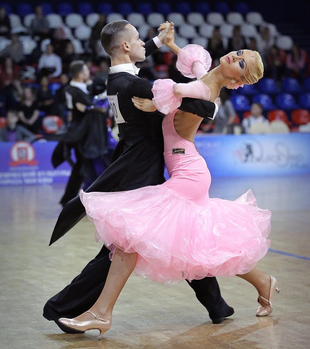 Спортивные бальные клубы москвы великий новгород ночной клуб