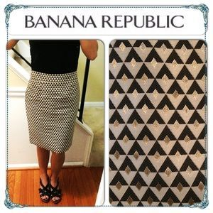 I just discovered this while shopping on Poshmark: Banana Republic Woven Gold & Neutral Skirt SZ. 0. Check it out!  Size: 0