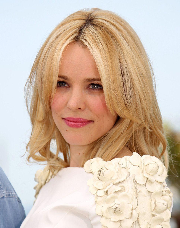 rachel mcadams blonde | Rachel McAdams pink lips blonde hair white dress photo | Posh24.com