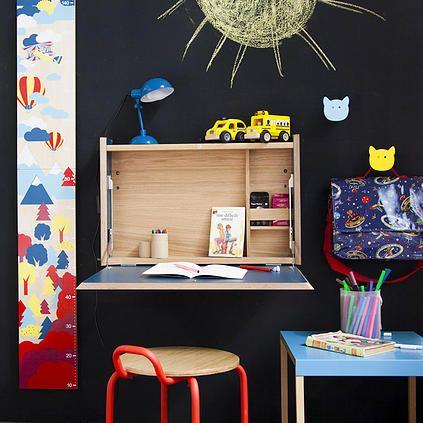 Ellis est un secr taire d 39 appoint mural blanc il poss de un plateau qui une fois d pli vous for Secretaire meuble habitat
