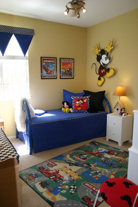 Mickey Mouse boys room! love it Food \ Drink Pinterest Cuarto