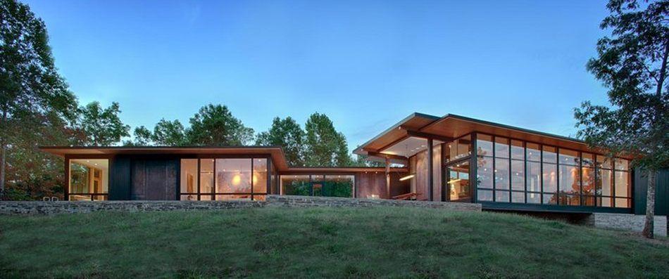 magnifique vue panoramique pour cette maison bois contemporaine am ricaine maison bois. Black Bedroom Furniture Sets. Home Design Ideas