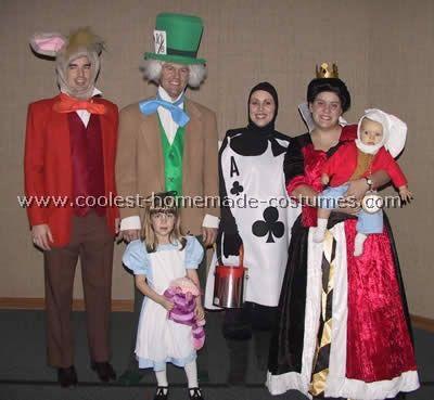 Alice In Wonderland Halloween Costume Family.Coolest Homemade Alice In Wonderland Group Costume Ideas Group