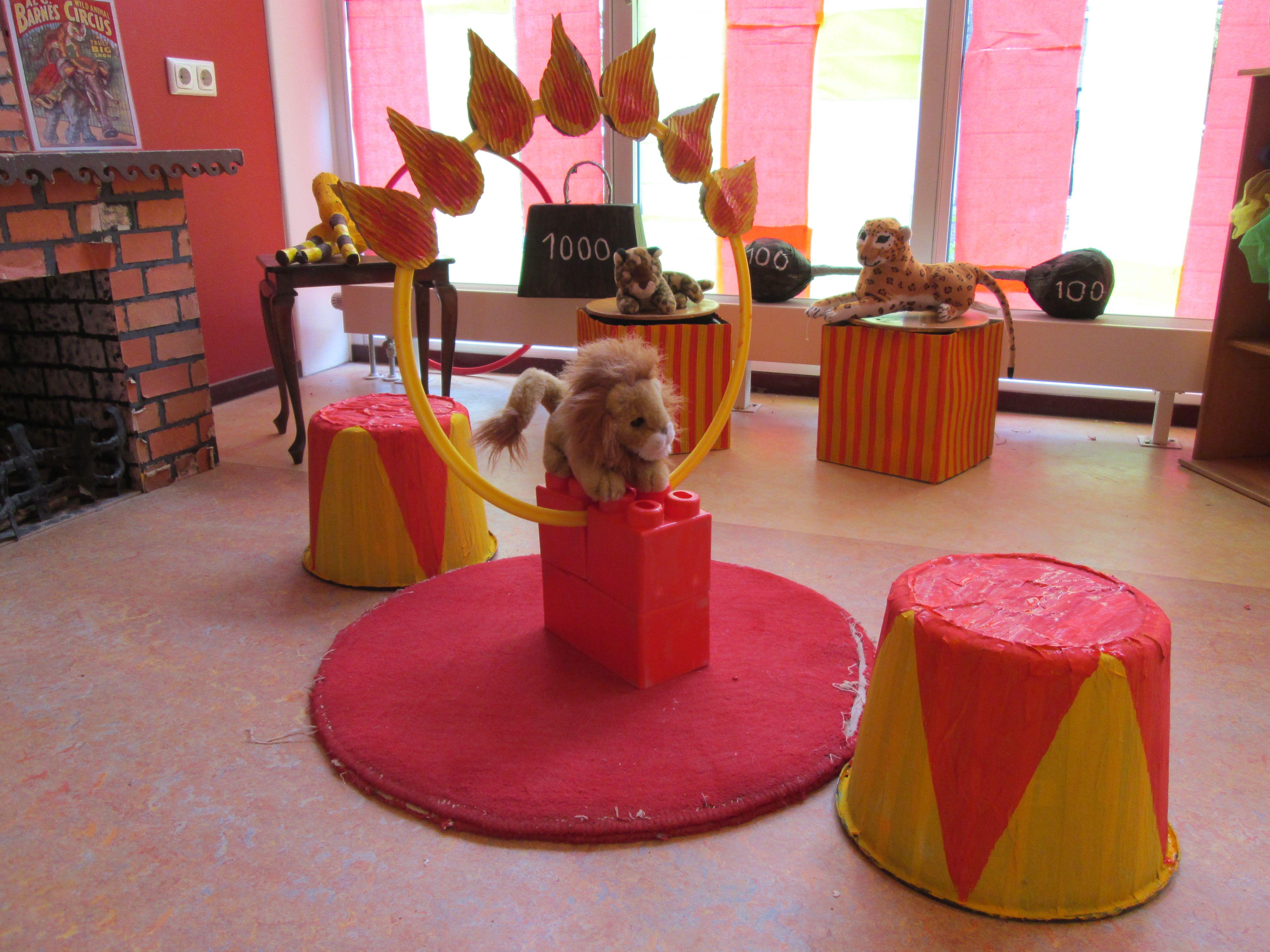 Leeuwen in het circus themahoek circus nutsschool maastricht