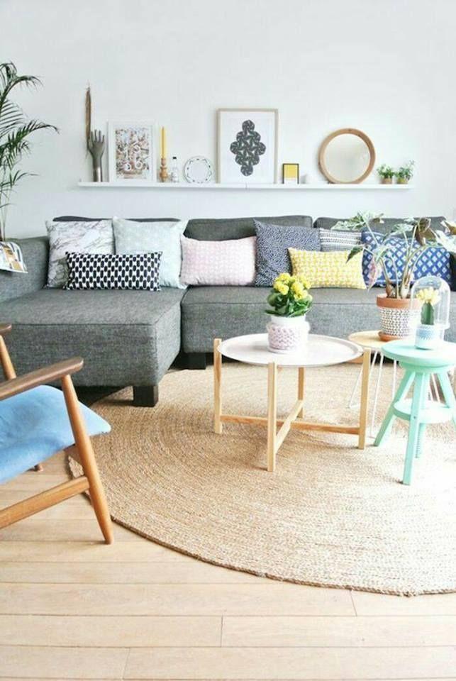 un tapis rond en jonc de mer pour apporter de la chaleur et un esprit boh me dans un s jour. Black Bedroom Furniture Sets. Home Design Ideas