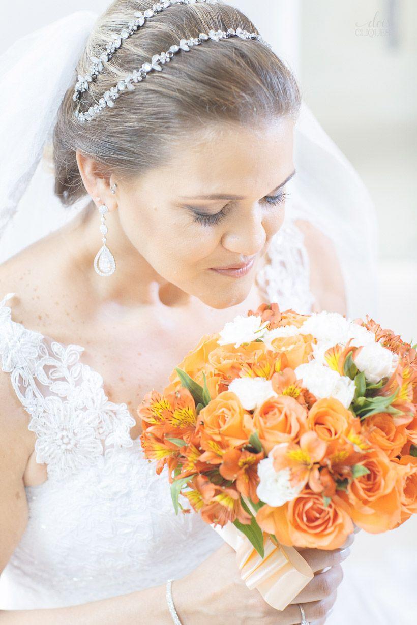 Noiva / Bride / vestido de noiva / wedding dress / maquiagem / make up /penteado / updo /