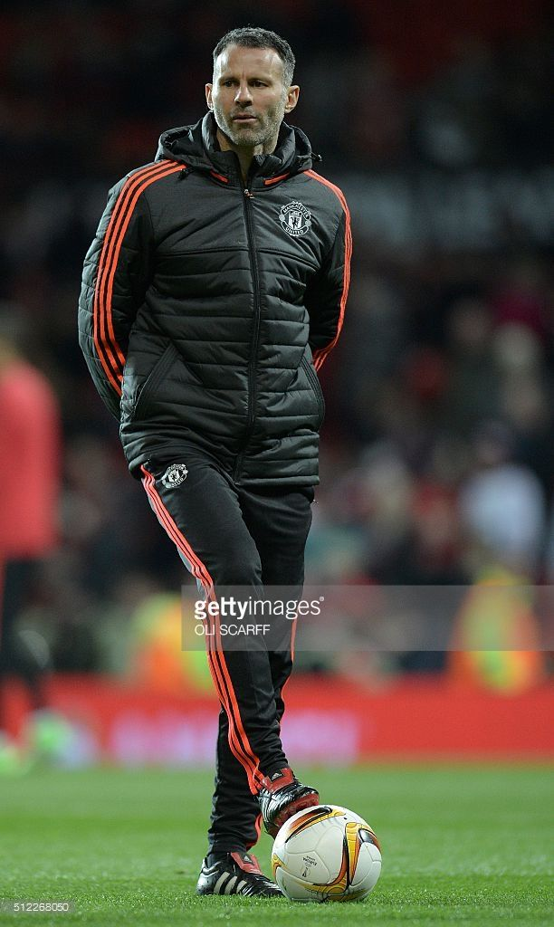 Manchester United S Welsh Assistant Manager Ryan Giggs Watches The Manchester United Ryan Giggs Manchester