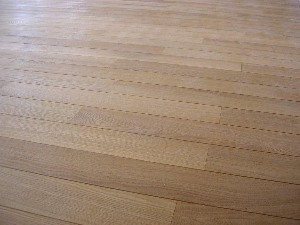 En qu direcci n colocar la tarima flotante en pasillos - Con que se limpia la tarima flotante ...