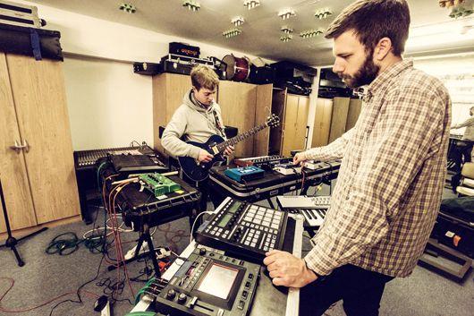 From Studio to Stage: Mount Kimbie | XLR8R