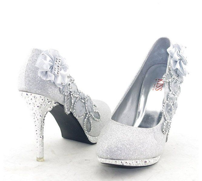 887977c5b42e Getmorebeauty Women s Silver Lace Flower Pearls Closed Toes Wedding Shoes 6  B(M) US