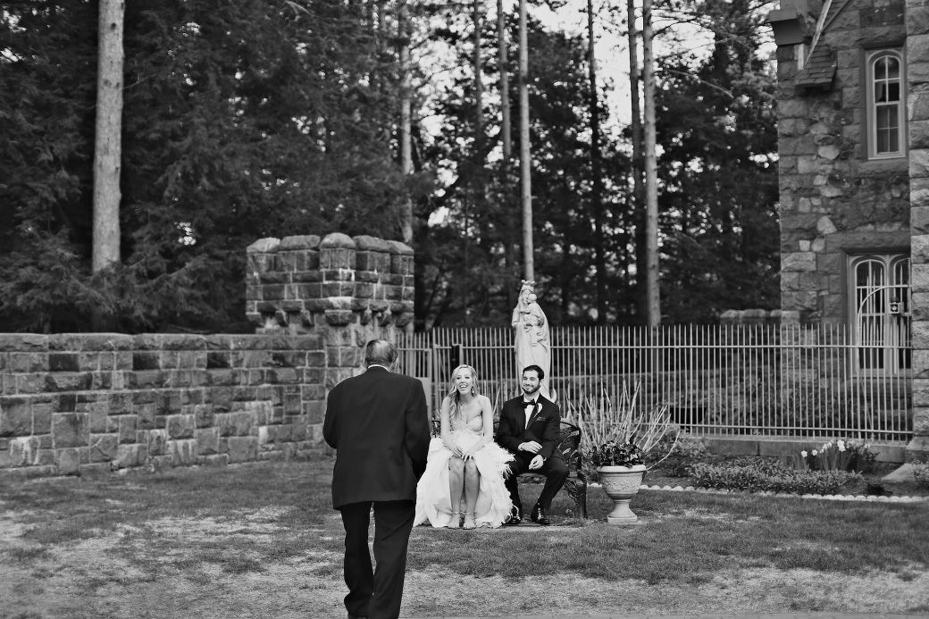 ♡ xoxo. ♡ wedding photography by #littlefangphoto #ideas #cute #cool #fun #poses #blackandwhite