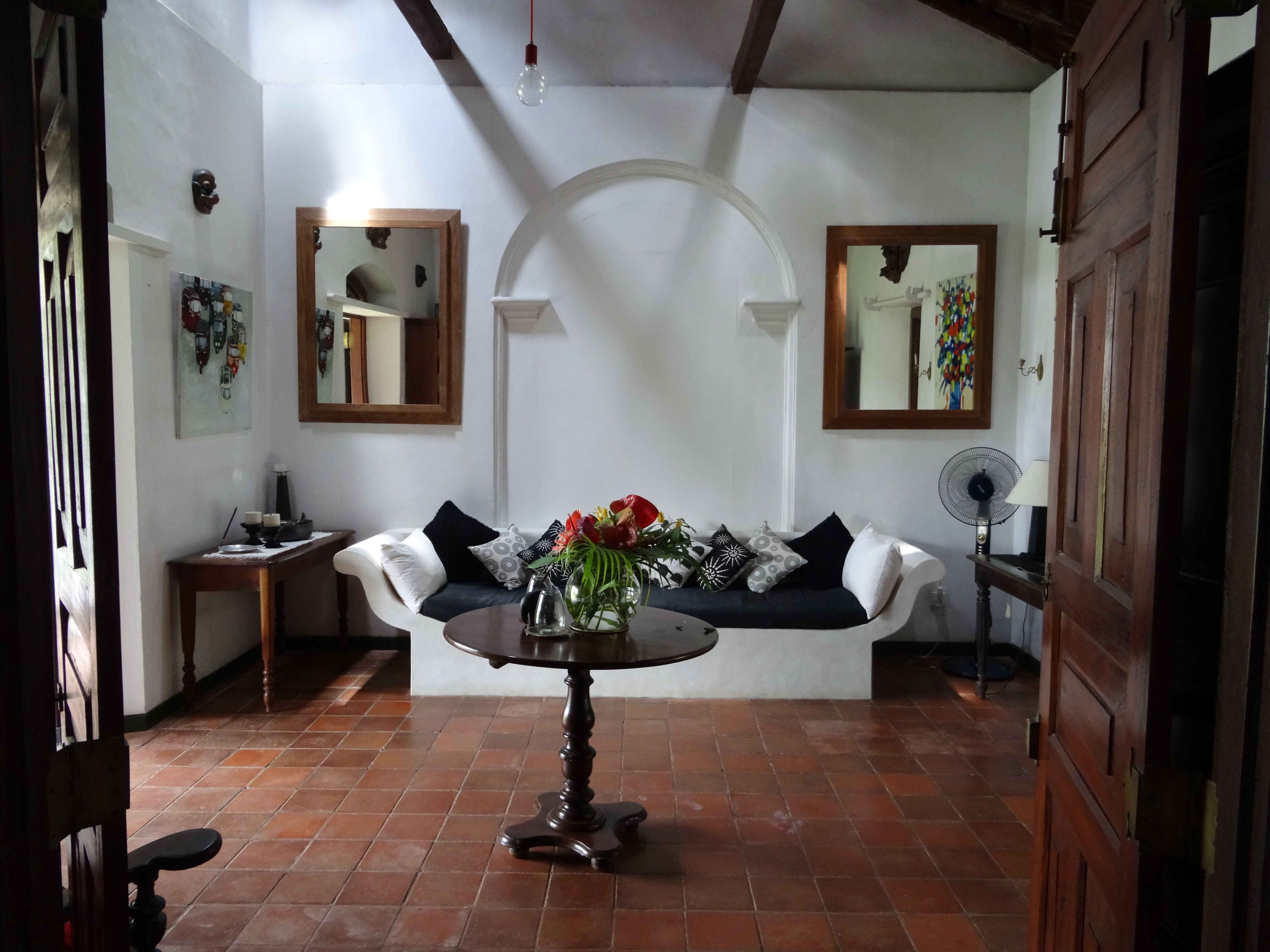 Templeberg villa waiting and reception area bungalow in for Interior designs in sri lanka