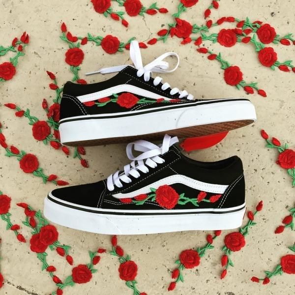 Vans 'n Roses Limited Edition | Van chaussures, Chaussures