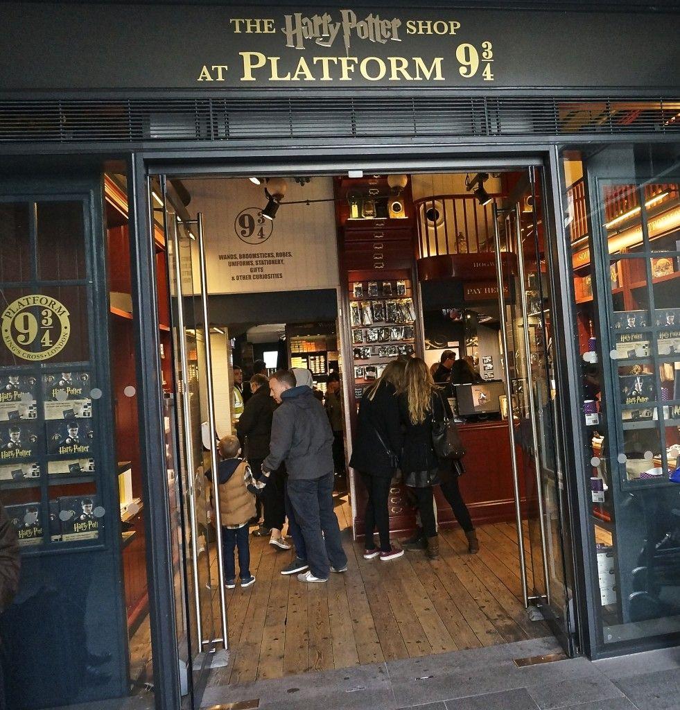 Harry Potter Gift Shop At Platform 9 3 4 London A Photo Tour Harry Potter Gifts London London Souvenirs