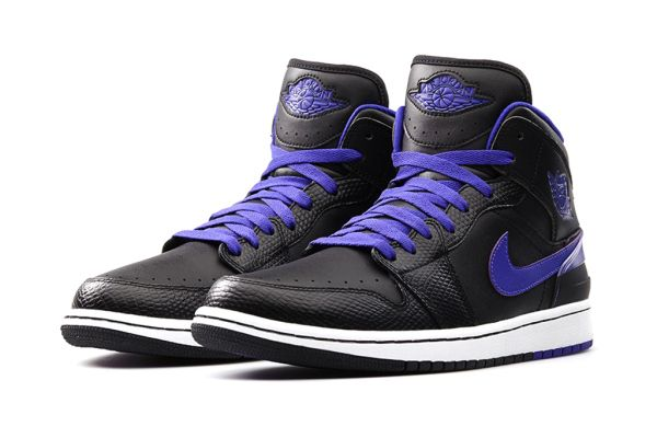 new style fc86d cd4dc A First Look at the Air Jordan 1 Retro  86