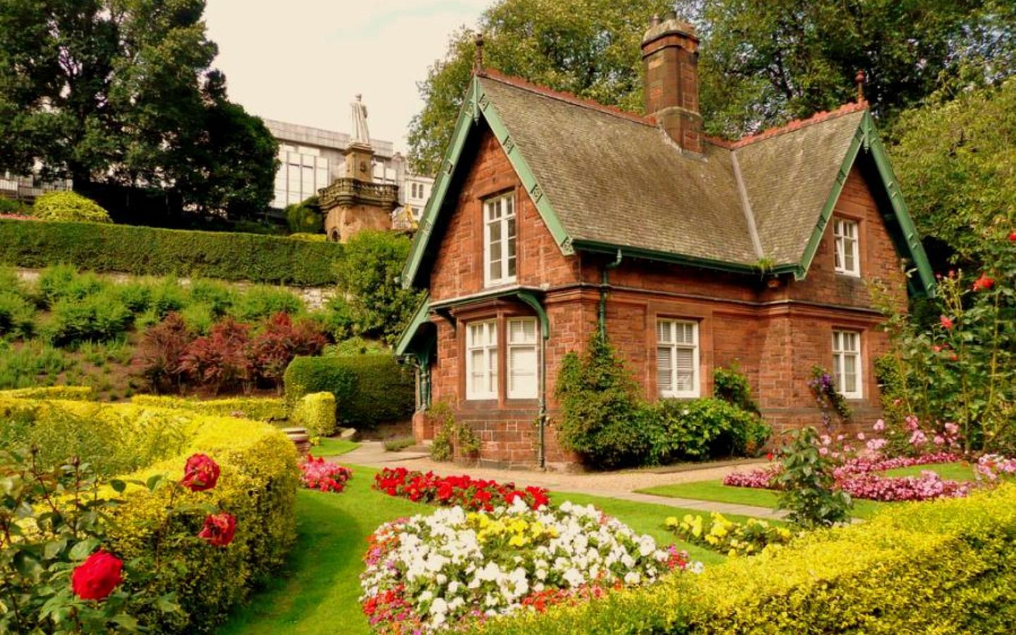 Small English Cottages | Small English Cottages Not Quite So Idyllic As This Little