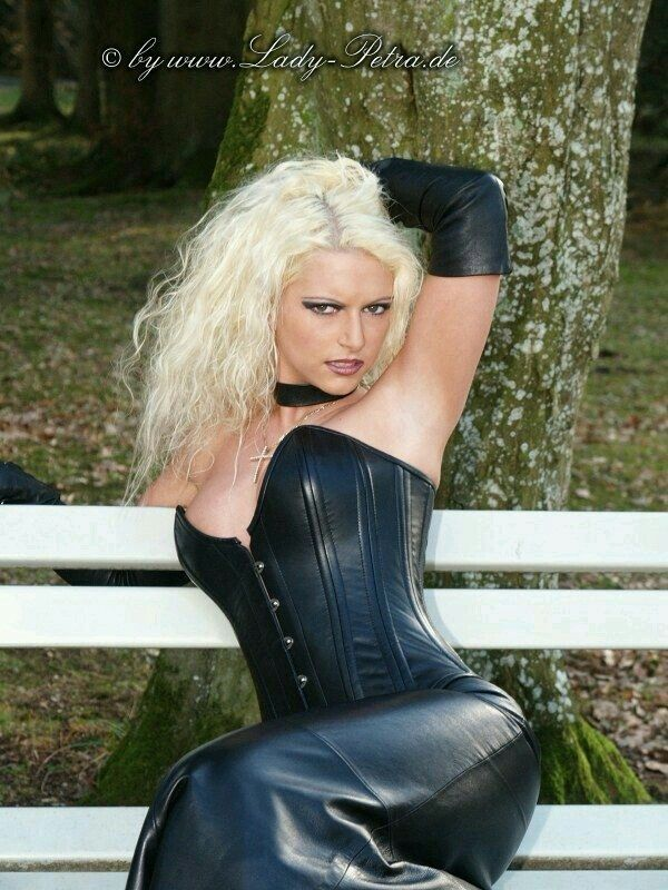 Miss petra fetish model