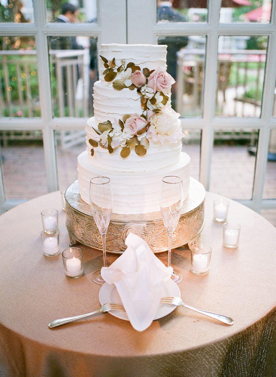 358dcf84022 Fairmont DC Wedding Hannah Hudson Photography (42) wedding cake