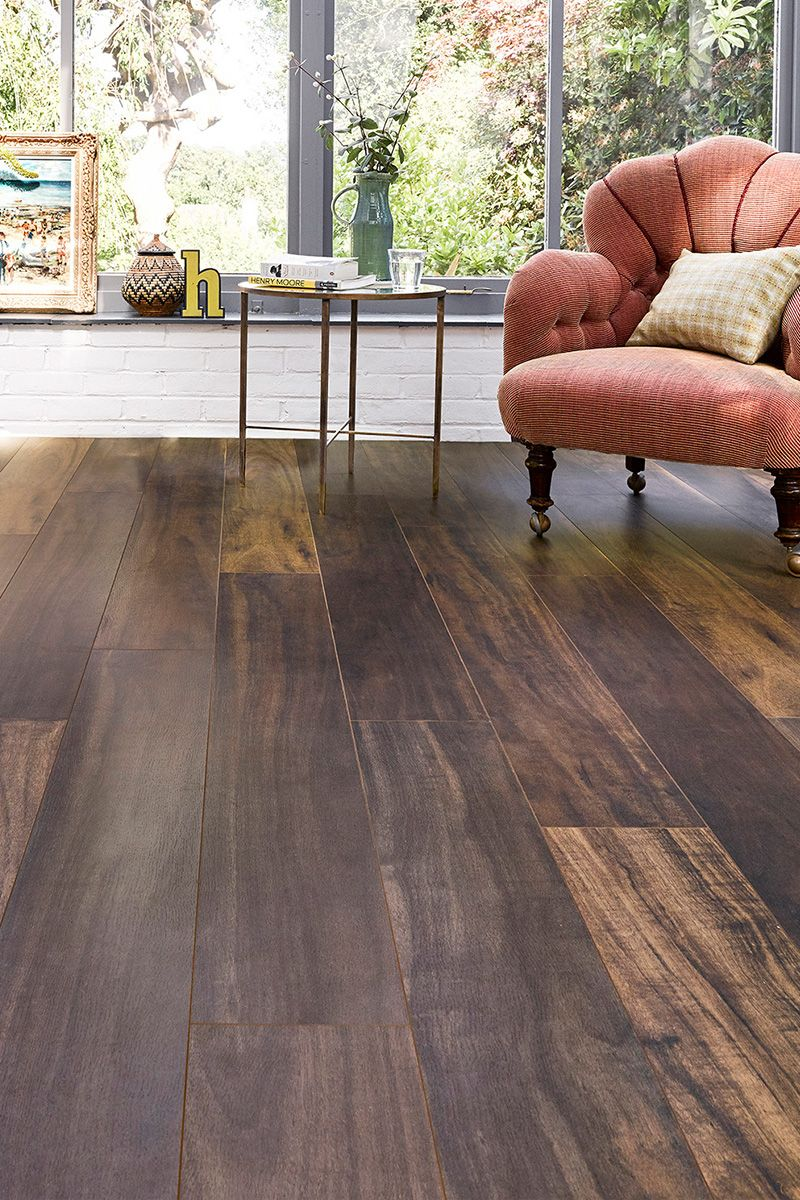 With an attractive vintage look, Aqualock 12mm Laminate