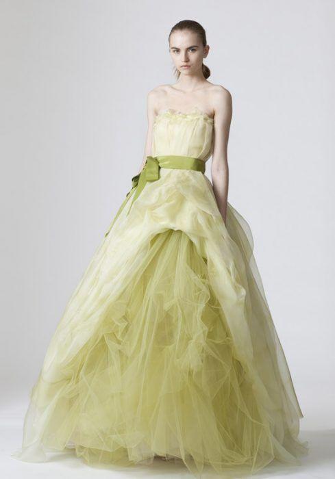 35 vestidos de novia inspirados en las películas de disney | vestido