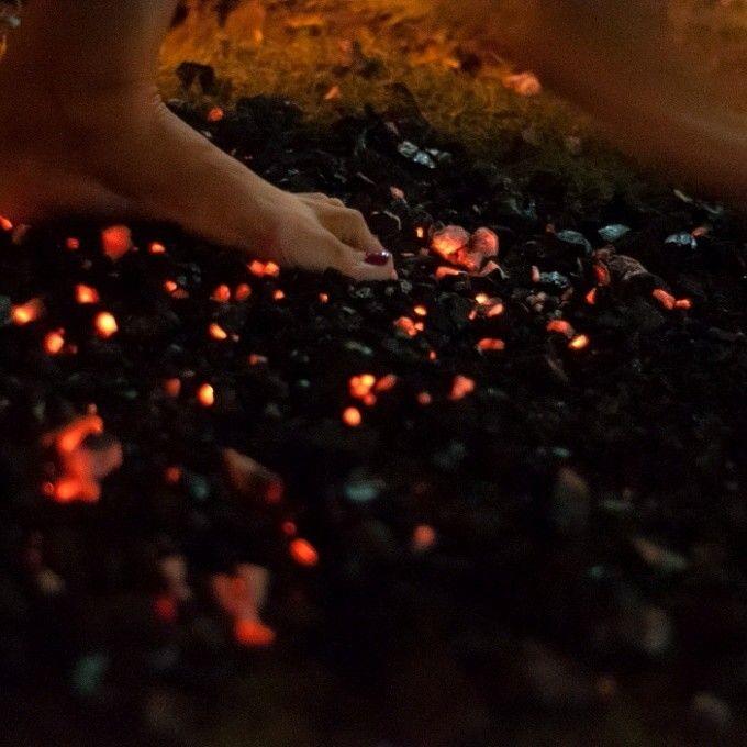 Disfruta del maravilloso camino que es LA VIDA ... Saborea cada paso que des hacia la consecucion de TUS SUEÑOS  #caminaporelfuego #laingarciacalvo #tucambioempiezahoy #firewalking  www.caminaporfuego.com