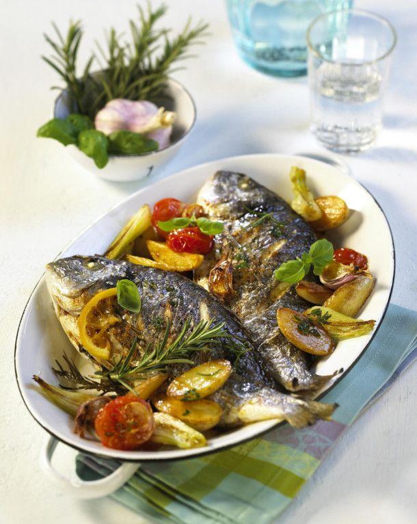 Kräuter-Dorade mit Röstkartoffeln #seafooddishes
