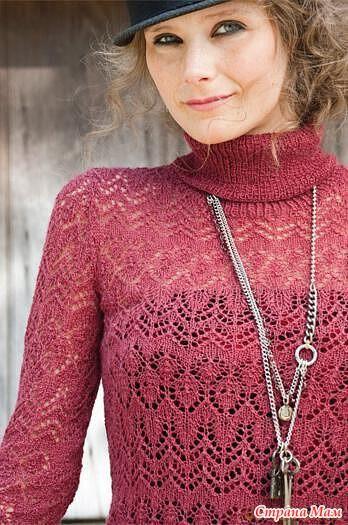 Модный белый ажурный пуловер спицами