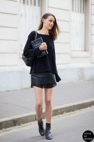 All black. All Paris. #GeorgiaHilmer.